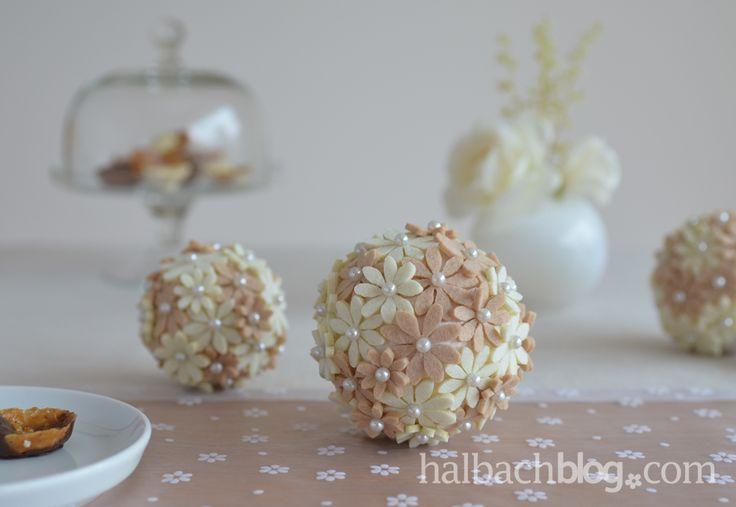 Für den Tisch: Blütenkugeln