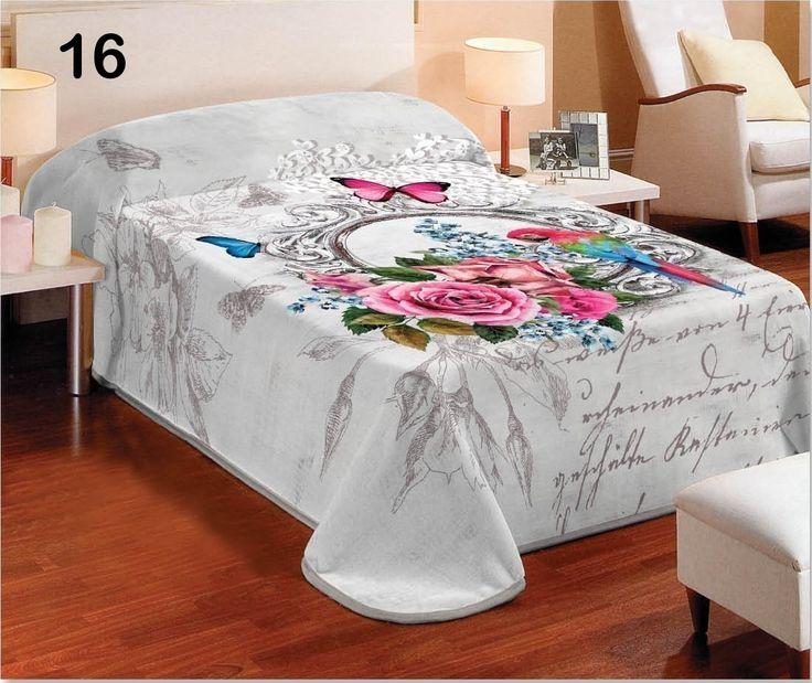 Luxusná deka v bielej farbe s 3D kvetinovým efektom