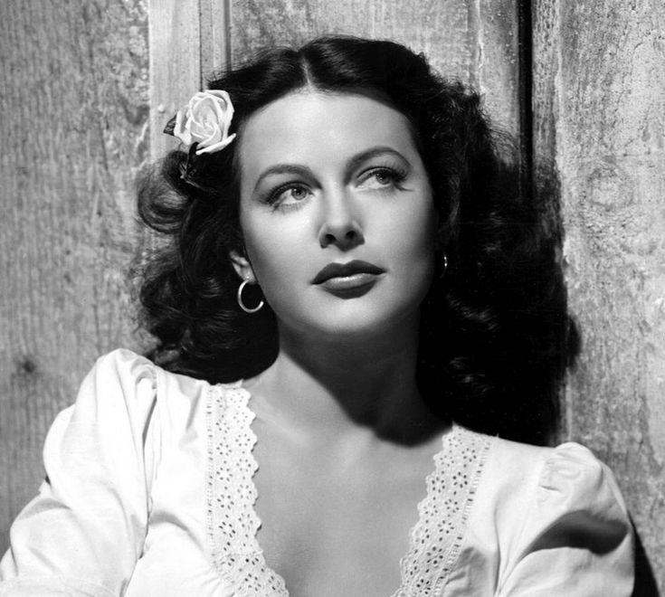 Hedy Lamarr: Inventor Of Traffic Spotlight