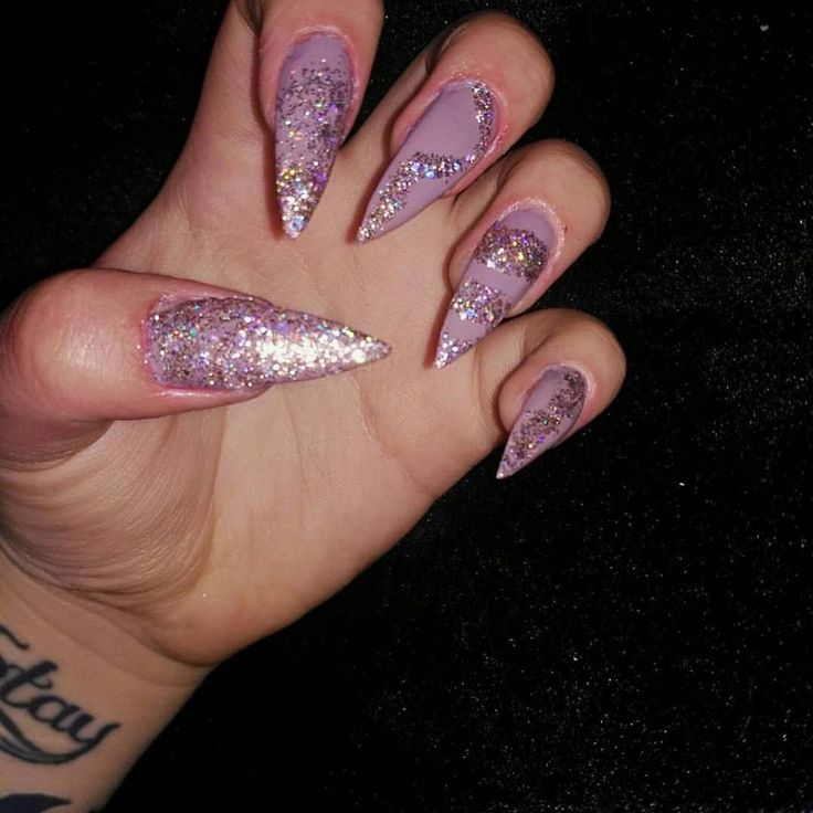 Gel Nails done by me #StillettoNails #Lilac #Glitter #Swirls #GlitterDesigns