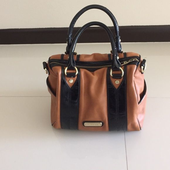 Steve Madden purse Very good condition purse, you will love it!! Steve Madden Bags