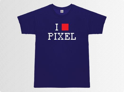 Ich liebe Pixel! Das ist das Shirt für alle Pixelschubser, Webdesigner, Künstler, Geeks, Nerds und sogar Gamer. Der Pixel: Kleinstes Teilchen des Grafikuniversums, der Stoff aus dem die Gamer-Träume sind, unendlicher Quell an Unterhaltung für Generationen von Computerspielern, Grafikgurus und Zockerweibchen. Nicht nur beim Grafikdesign sind Pixel wichtig. Sie spielen und spielten auch im Bereich Retrogaming eine große Rolle. Manchmal war die Hauptfigur in einem Spiel einfach nur ein Pixel…
