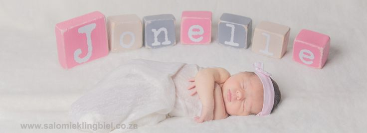 Use blocks to spell the name - Newborn Photo session
