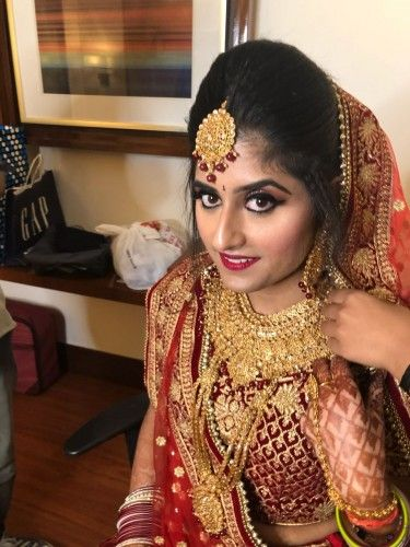 Latest Bridal Makeup by Tanushree at best and affordable prices. Makeup Artist in Delhi NCR