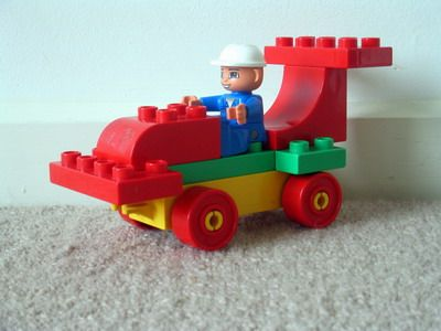 This site has a ton of fun building ideas with Lego Duplos! #LegoDuploParty duplo ferrari f1 race car 4693
