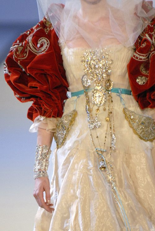Christian Lacroix Haute Couture Fall 2006 Details    wow