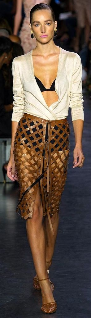 Altuzarra Spring 2015 | The House of Beccaria~with a skirt the same color as the blouse up under it