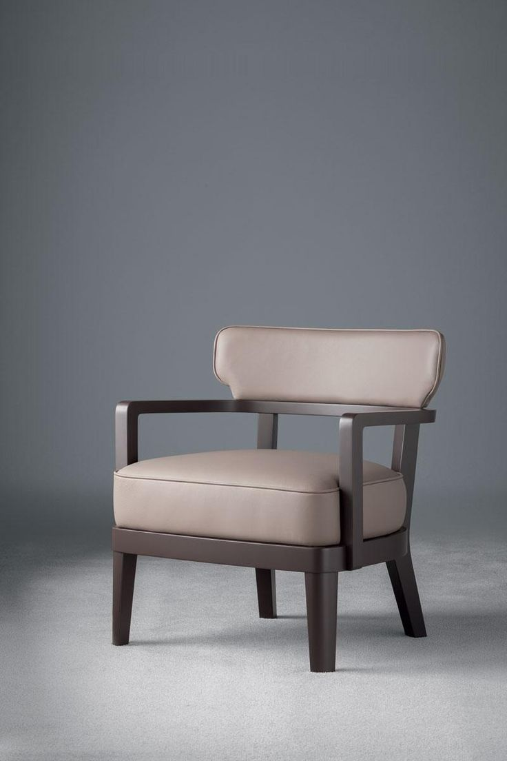 Zoe small armchair, design by Massimiliano Raggi, manufactured by Oasis, covered with leather, for absolute elegance.