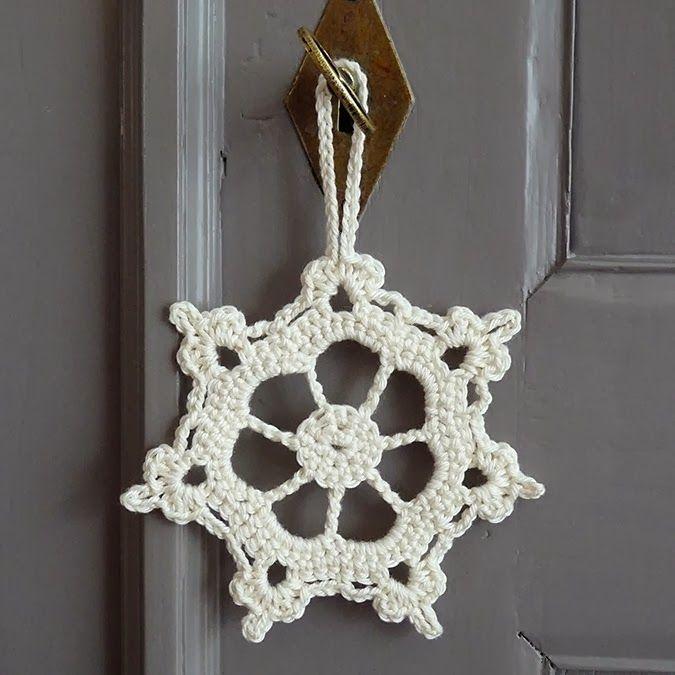Studio 92 Designs: Sneeuwster ornament / snowflake ornament #drops #garnstudio