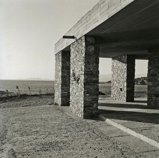 Aris Konstantinidis: Week-end house in Anavissos, 1962