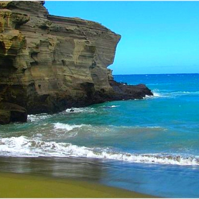 Sand Island: Green Sand Beach. Big Island, Hawaii.