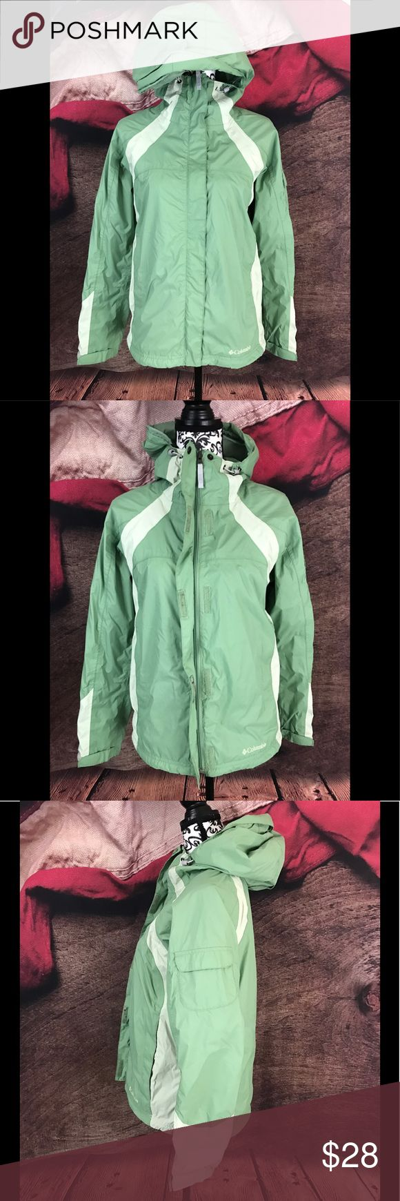 """Columbia Green Striped Packable Rain Jacket M Pre-Owned in Excellent Condition Columbia Women's Green Striped Packable Rain Jacket Medium  Materials: Shell: 100% Nylon, Lining: 100% Lining  Size: Medium  Measurements: Bust: 20"""" / Shoulders: -"""" / Sleeve: -"""" / Length: 23"""" Columbia Jackets & Coats"""
