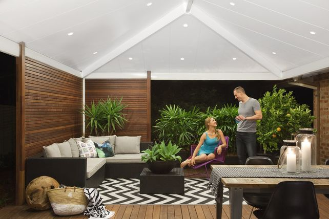 Insulated Smooth Profile: White Bay Ceiling Colour