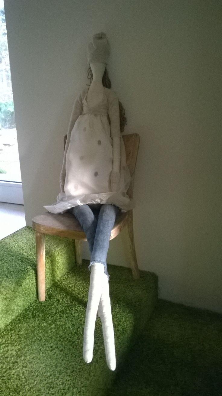 Velká ručně šitá panenka, má okolo 150 cm .