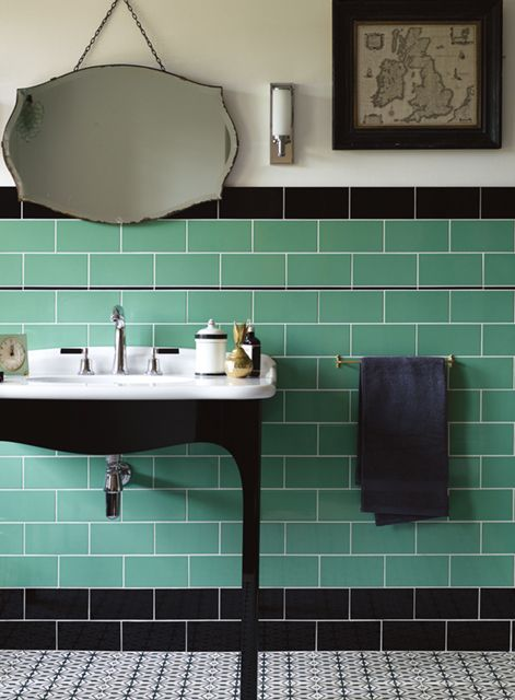 Cinema Lincoln and Pantages wall tiles with Suede Black Pencil and Sorrento NIzza floor tiles http://www.firedearth.com/tiles/range/cinema/mode/grid