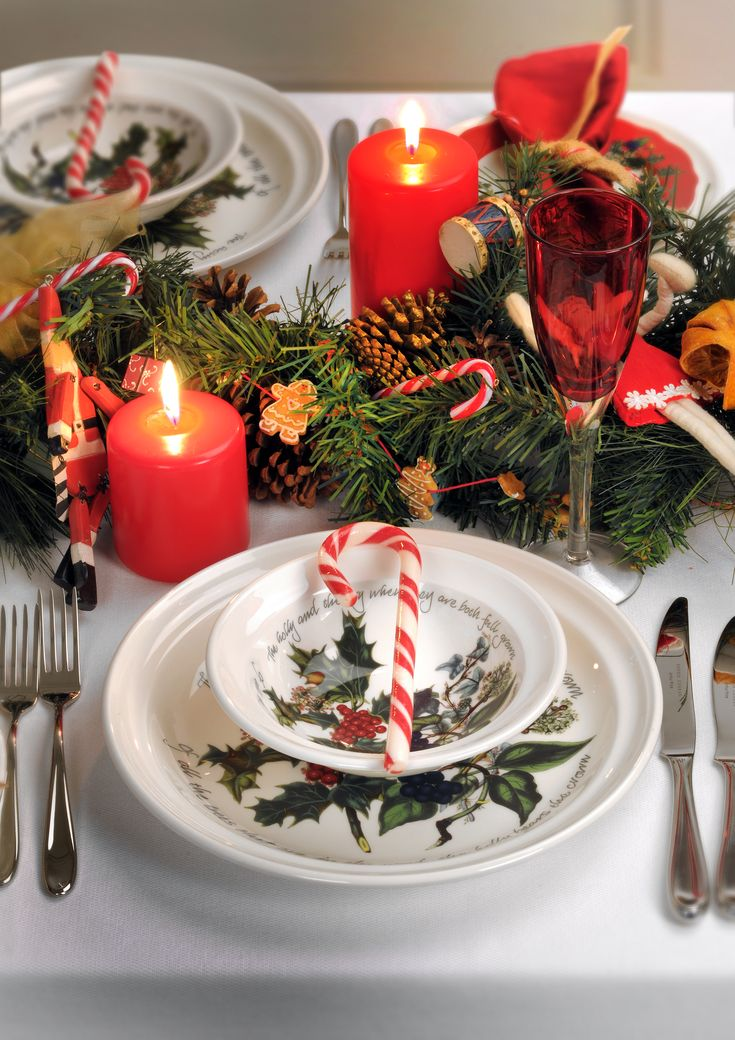 The Holly and the Ivy table setting by Pormeirion #TheHollyandTheIvy #Portmeirion #Christmas #Christmas2016