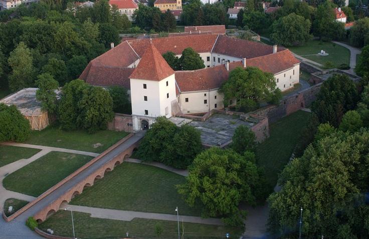 Nádasdy-vár - Nadasdy Castle