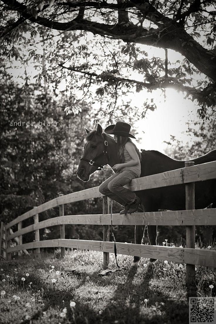 5. sur la #clôture - 64 magnifique #Photo Senior #idées que vous avez à voir…