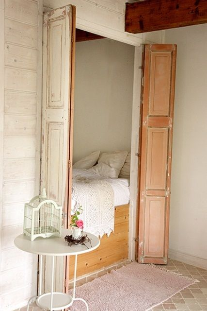 38 Smart Small Bedroom Designs With Hidden Bed; In Closet