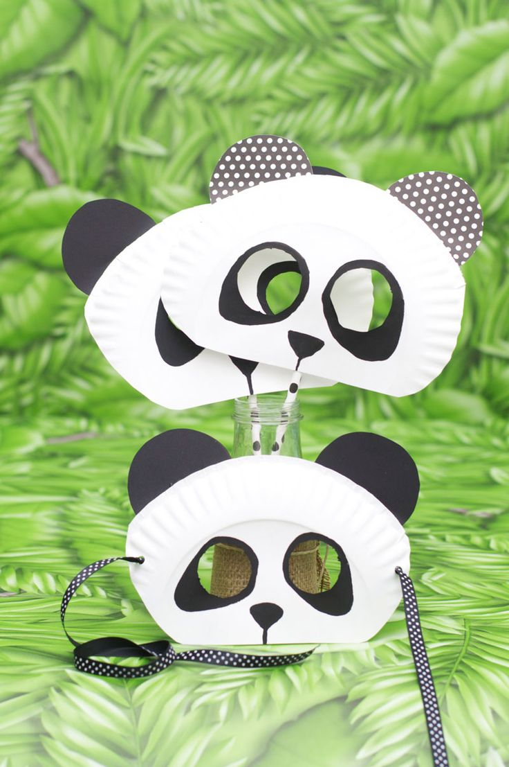 Paper Plate Panda Bear mask for kids! #animalcraft #preschool #kidscraft
