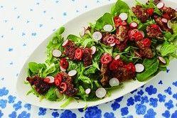 """カリカリ豚で野菜がすすむ! ごちそうサラダ-速水もこみち""""ほめられ肉""""レシピ"""