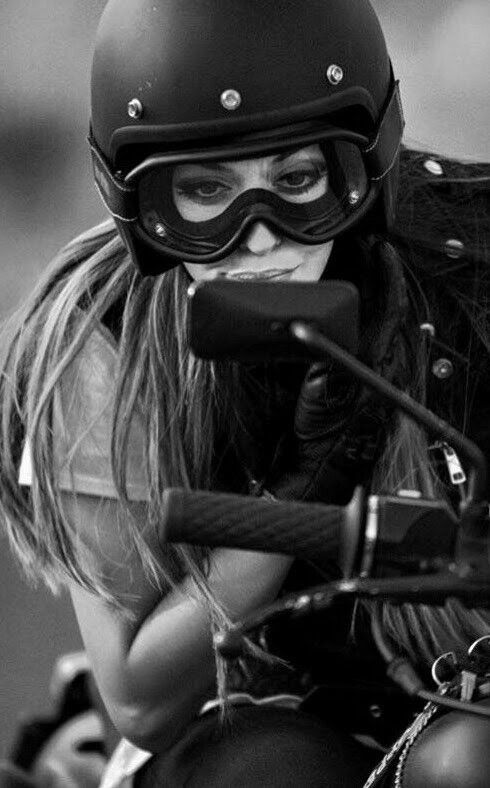 Chill & Hip Hop Showcased MiVu.photos/chill #HarleyDavidsonBobbers