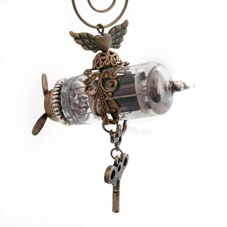 Steampunk Airship, Zeppelin, Dirigible - Key to the Past.via Etsy.