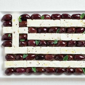 Olives and feta - Greek party | Food24