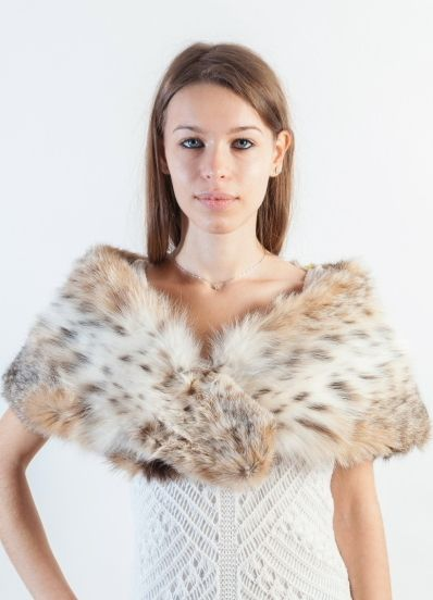 Lynx fur stole for ceremonies. This stunning lynx fur stole is all you need to look fabulous this winter. Premium quality lynx fur. Amifur.com