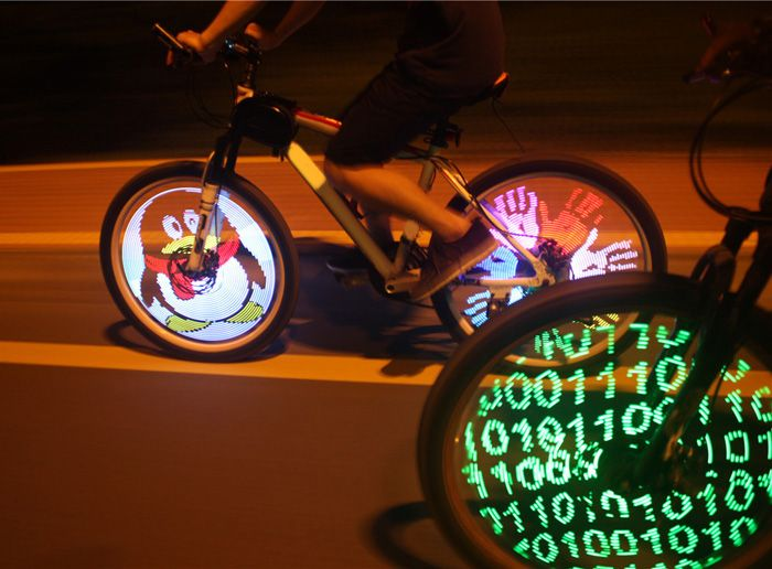 YQ8003 DIY Programmable Bicycle Bike Lights Tire Wheel light with 128 Cree LED Double Sided Spoke Screen Display - 35$