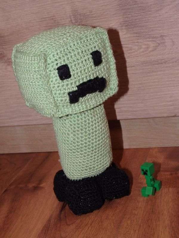 Postavička Creeper z hry Minecraft