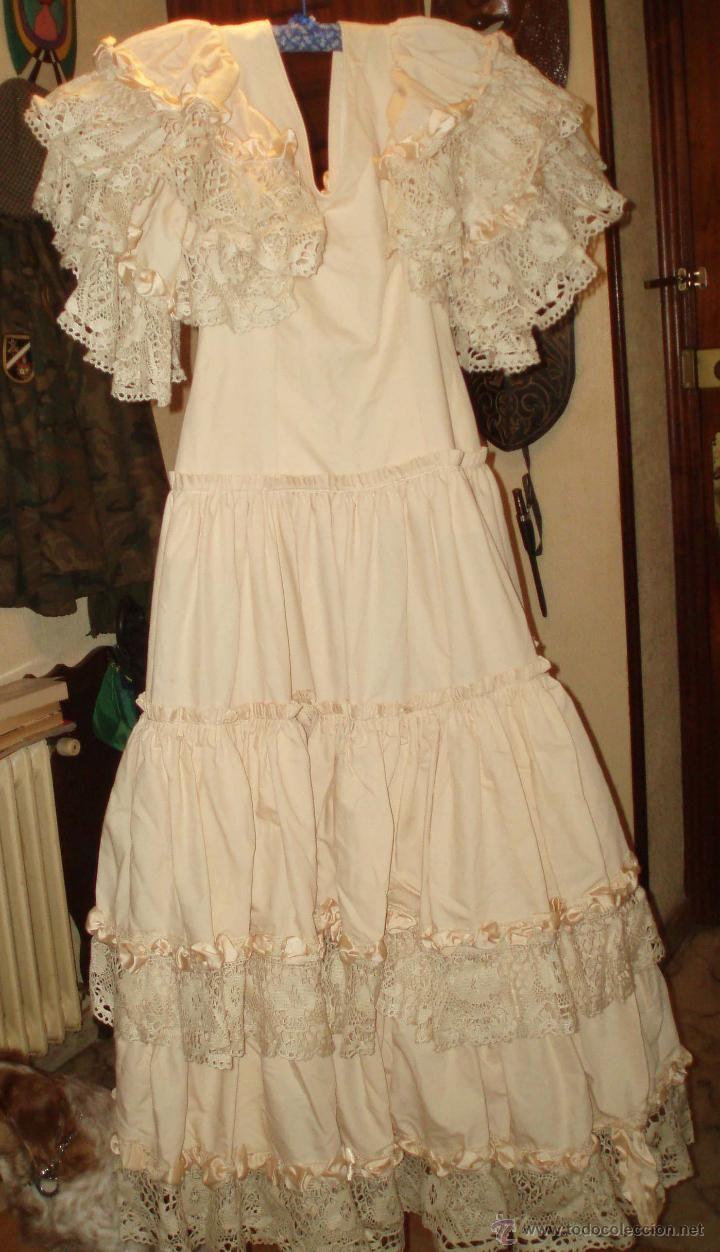 BONITO VESTIDO DE FLAMENCA O FARALAES COLOR SALMON CLARO (Vintage - Moda - Mujer)