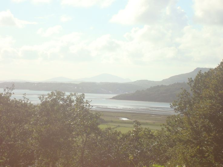 Afon Crigyll and Irish Sea, from Talsarnau. Aug 2011 / l'estuaire de la rivière Crigyll, mer d'Irlande, depuis Talsarnau