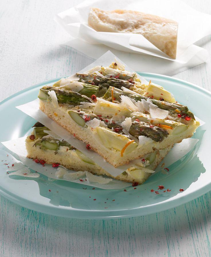 Spargelkuchen vom Blech - Ein vegetarischer Gemüsekuchen mit Spargel