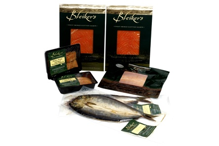 The perfect collection of cured, cold smoked & hot smoked fish includes:-    Traditional Oak Smoked Scottish Salmon (2 x 200g)  Traditional Gravadlax with honey & mustard sauce (200g)  Naturally Smoked Kippers (2)  Smoked Trout Fillets (1)  Honey Roast Salmon (2 x 100g)