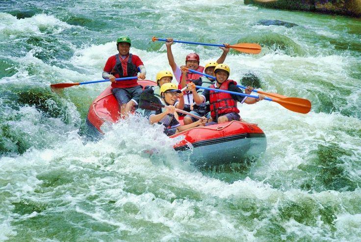 Explore Sumatera: Binge River Rafting