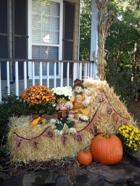 outdoor fall decor.