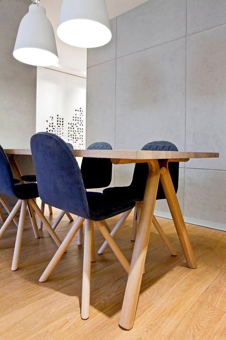 Стол и стулья для современной гостиной, фото http://goodroom.com.ua/mag/sovremennyj-semejnyj-dom-ot-spacelab/ Гостиная #Living_Room #Interiors #Design #Interior #Furniture #Chair