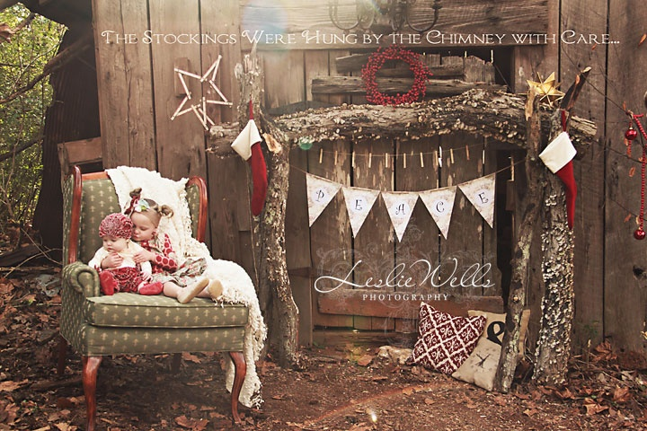Christmas set up from www.lesliewellsphotography.com