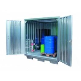 Stalen milieucontainer SLH 1 x 2 nu voor € 2.240,00.  Inclusief franco levering door heel Nederland.  De stalen milieucontainer is ontworpen voor de veilige opslag van gevaarlijke stoffen, zoals voorgeschreven in de PGS 15. De geïntegreerde opvangbak met thermisch verzinkte roostervloer zorgt voor de opvang van gelekte vloeistoffen. Standaard uitgevoerd met hijsogen en een dubbele deur. aflsuitbaar voor onbevoegden middels het cilinderslot met 3 sleutels.  Standaard in een verzinkte…