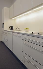 aranżacja wnętrz - Wykorzystano oprawę Furniture 513 (160701)  /oświetlenie kuchni/