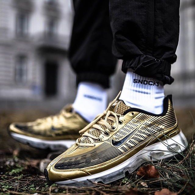 #SADP : @nikesportswear Air Max 360 by @eniotnv Use the hashtags #SADP and #SneakersAddict for a feature! ##am360