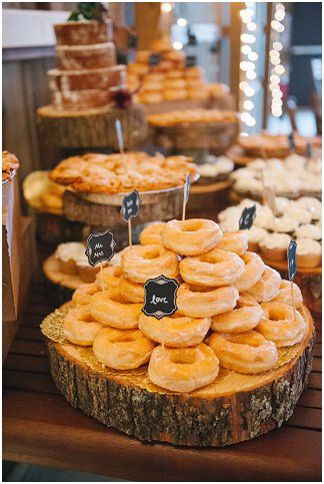 Wedding doughnuts and sweets | Amanda Adams Photography | see more at http://fabyoubliss.com