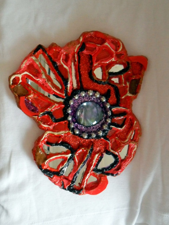 Red Poppy Mosaic Jewel by Alison Day  Newsletter - for more info and creativity: http://alisonday.us8.list-manage.com/subscribe?u=f0ee923eb109c974f6e7d72c2&id=d783011ad5