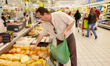 Campaign to cut supermarket food waste reaches European parliament | World news | The Guardian