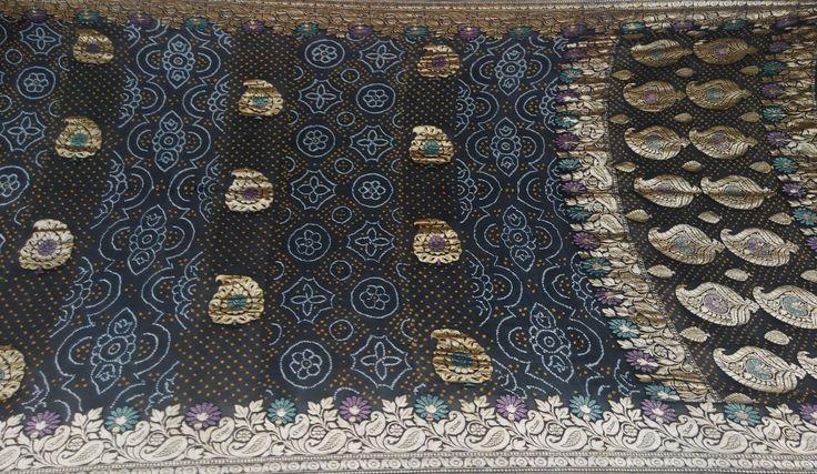 Beautiful Black Banarasi Bandhani Saree  Hand made tie & dye patterns  For more details call/whatsapp- 91-9377399299  #sankalpthebandhejshoppe #banarasisaree #designersaree #bandhani #bandhej #tie&dye
