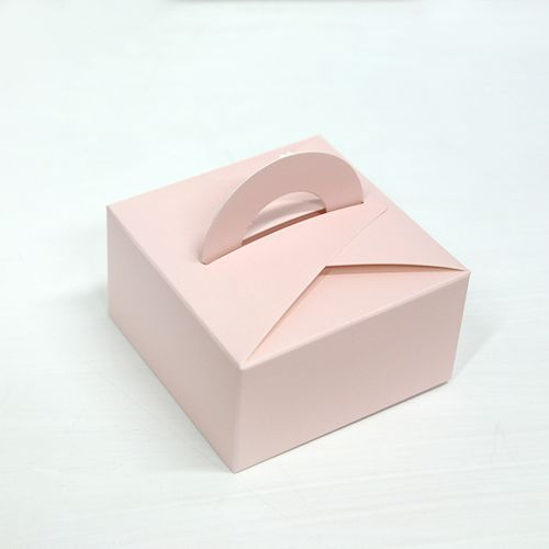 Mini Dessert Box – White | Miss Package #dessertpackaging #macaronpackaging #weddingpackaging #giftbox #takeoutbox #cutebox #pink #somthingpink