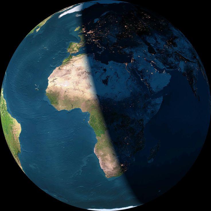 La Terre vue de jour et de nuit En savoir plus: http://www.cartesfrance.fr/geographie/cartes-satellite/terre-jour-nuit.html