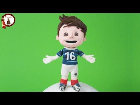 Football Player out of fondant- Calciatore in pasta di zucchero - YouTube