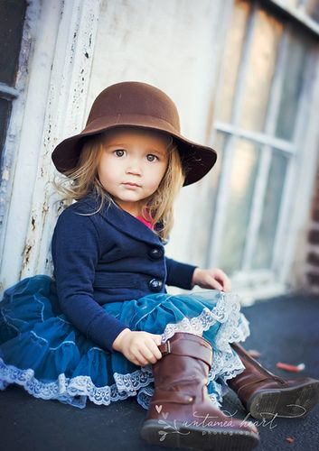 Chocolate and Blue ...so cute!